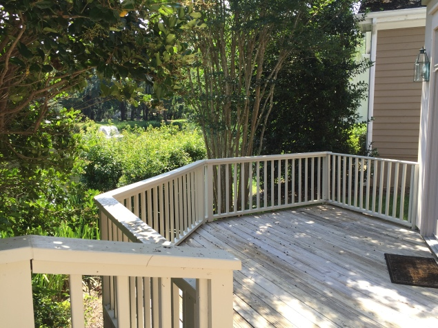 deck-with-fountain