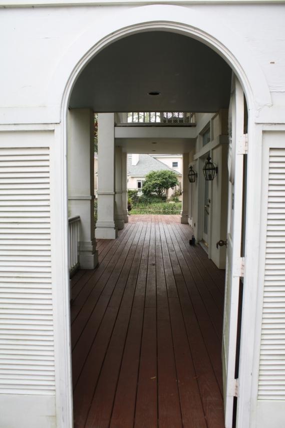 false-entrance